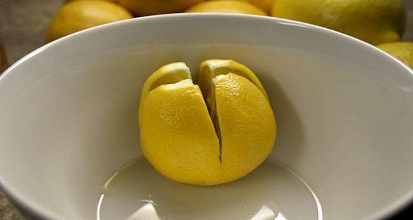 Couper quelques citrons et placer les dans votre chambre - La raison est géniale