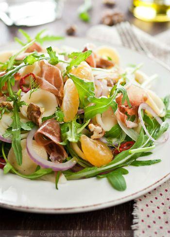 Салат с орекьетте и прошутто