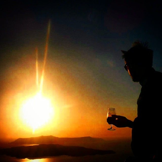 #WineTasting #Santorini #Sunset Photo credits: @jimbobfeen