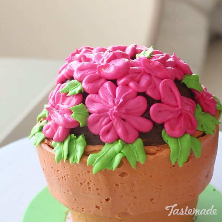 A bouquet of flowers is nice, but an edible flower pot is both nicer and yummier.