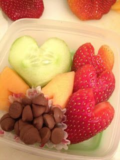 Happy Organized Life: 12 Valentine's Healthy Snacks for Kiddos - strawberry hearts with yogurt dip!