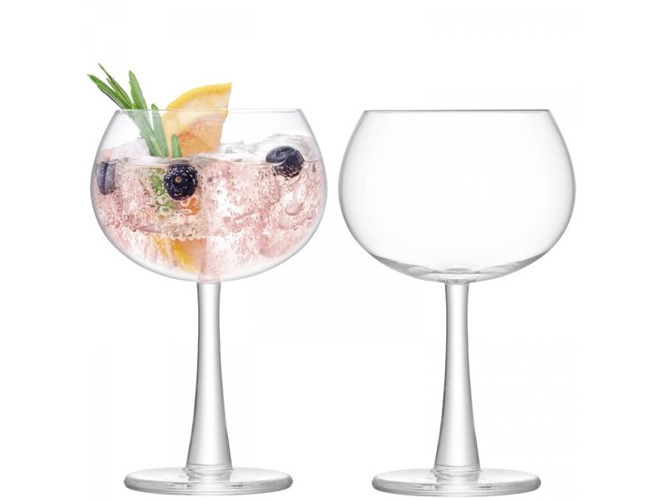 The thick foot and subtly flared stem add distinctive detail to this gin balloon glass. Mouthblown by skilled artisans, it is designed with a wide bowl that will enhance the scent of gin's delicate botanicals. Mix with other pieces in this handmade col