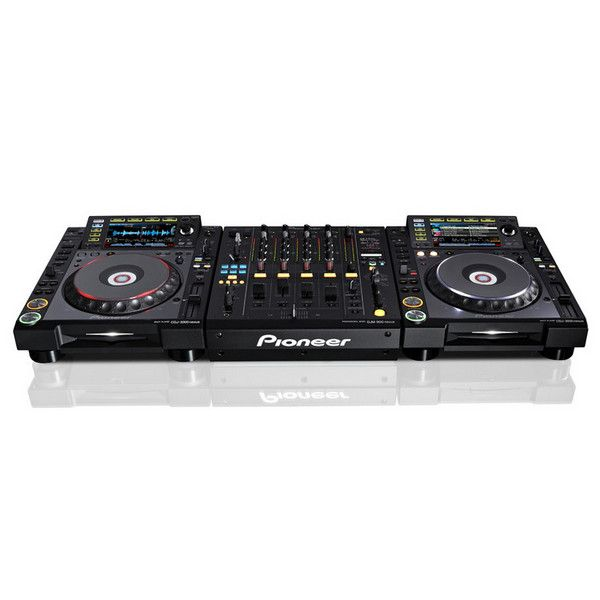 Pioneer CDJ-2000nexus Multiplayer Digital DJ Deck