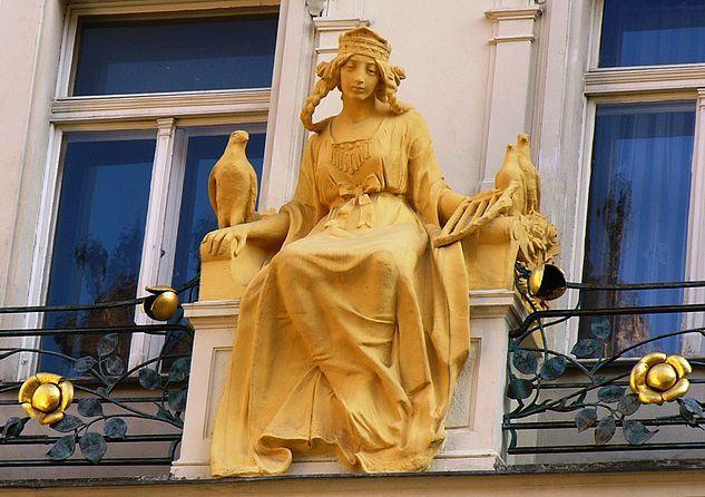 Visita y Descubre Praga con Nuestro Tour Gratis - Unity Tours Praga | Leyenda de Libuše, la vidente  #RepúblicaCheca #Turismo #Praga #QuehacerenPraga