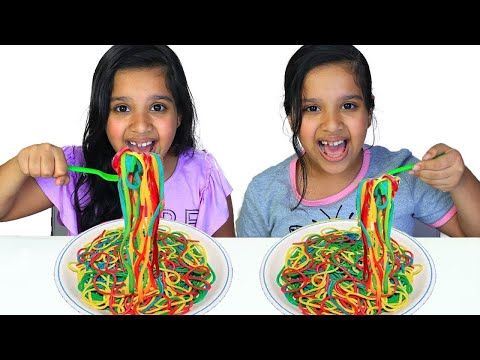 شفا و سوسو يصنعون نودلز رهيب Pretend Play Making Chocolate And Black Noodles Youtube We Bare Bears Wallpapers Easy Curls Bear Wallpaper