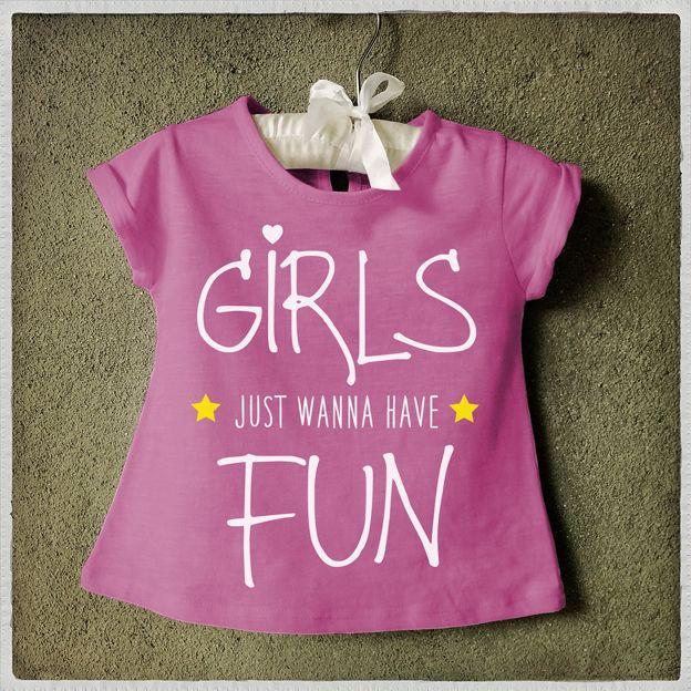 Girls just wanna have fun T-shirt We love Cindy Lauper