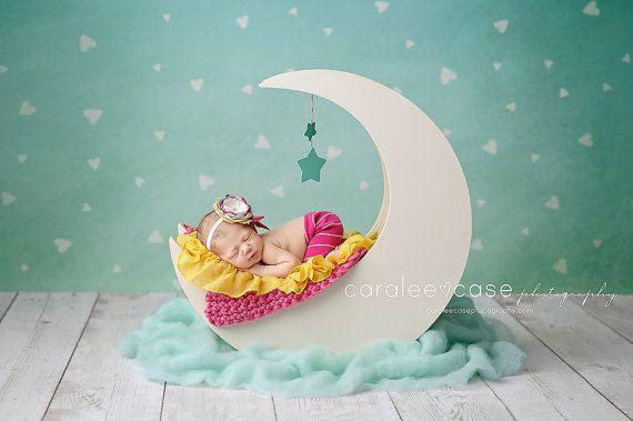 El Original Luna Prop fotografía recién nacido por MrAndMrsAndCo                                                                                                                                                     Más