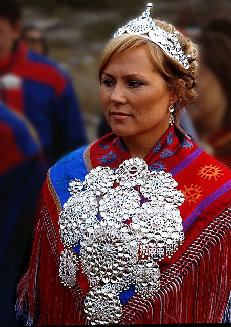 Sami bride | The Sami people, one of the largest indigenous groups in Europe, living in Norway, Sweden, Finland and Russia. Their traditional languages are the Sami languages, which are members of the Finno-Lappic group of the Uralic language family. | © samisknettverk