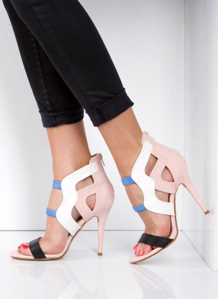 Sandałki Modern Design Pink Sandals / Sandały / Obuwie damskie - Buty w stylu gwiazd. Modne obuwie, najnowsze trendy, atrakcyjne ceny. Sklep z butami i ubraniami, modne buty letnie i zimowe - DeeZee.pl