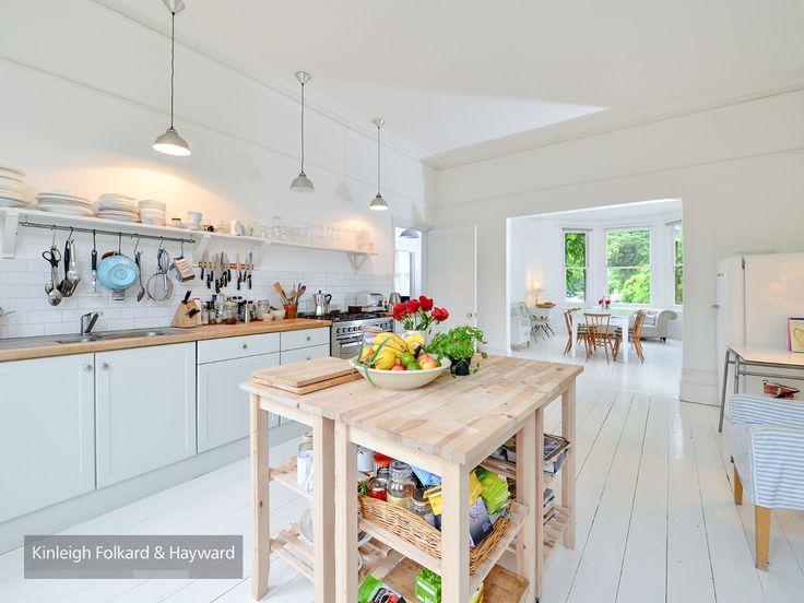 #woodenfloor #kitchen #droplighting #kfh