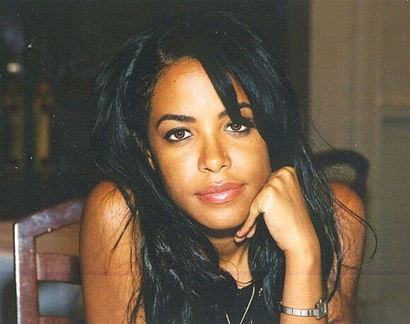 Aaliyah's recurring dream:  It's dark in my  favorite dream. Someone is after me. Don't know why. I got fear.Then, suddenly I lift off. I fly away. Far away. How do I feel now? It is like swimming in the air, free and without any weight. No-one can reach me. No-one can touch me. It' s a wonderful feeling.  A few weeks before she died, singer and actress Aaliyah described a dream. It was about flying, the feeling of freedom and weightlessness - and about the fear to fail. Last saturday…