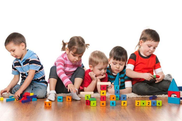 ¿Tienes una familia numerosa? Dedúcelo de tu IRPF   | Las familias numerosas pueden optar a una gran variedad de beneficios.
