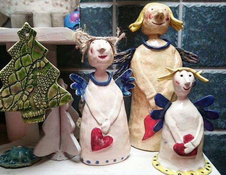 Lepimy z gliny -Ceramika Dębki  I robią się... Wychodzą Anioły takie prawdziwe.... Bo już czas