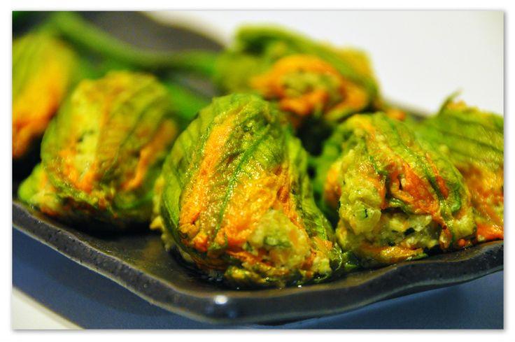 Fiori di zucca ripieni di verdura #zucca #vegetariana #ricetta #autunno #pinalapeppina