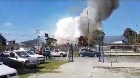 Woman suffers severe burns & dies after Mexico fireworks factory explosion (VIDEO) https://tmbw.news/woman-suffers-severe-burns-dies-after-mexico-fireworks-factory-explosion-video  A woman has died after an explosion at a house that served as a fireworks factory in San Cristobal de las Casas in the southern Mexican state of Chiapas.Shortly after the blast, dramatic footage began to circulate online, with San Cristobal resident Luis Alberto Garcia posting his own astonishing video of the…