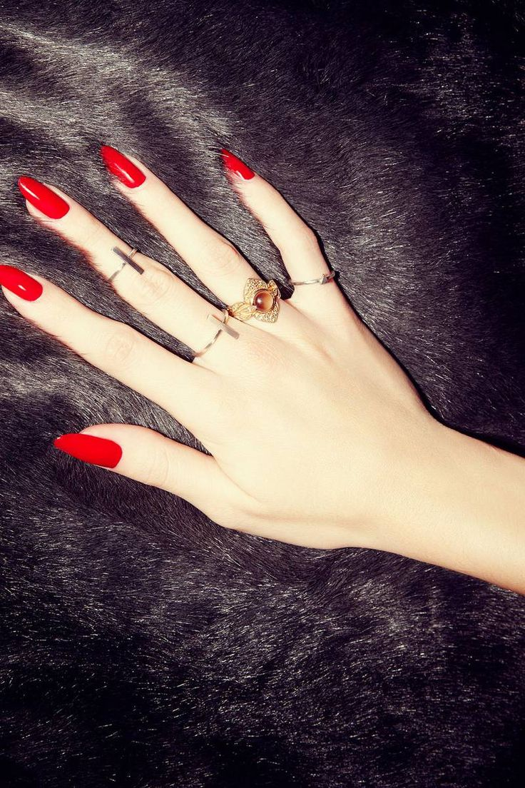 Love red nails  and the shape of these are perfect! Not too pointy