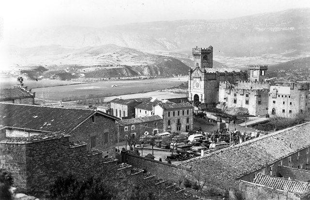 1964-JAVIER-Así era el pueblo hasta que fue derribado en 1964 y se construyó el nuevo.