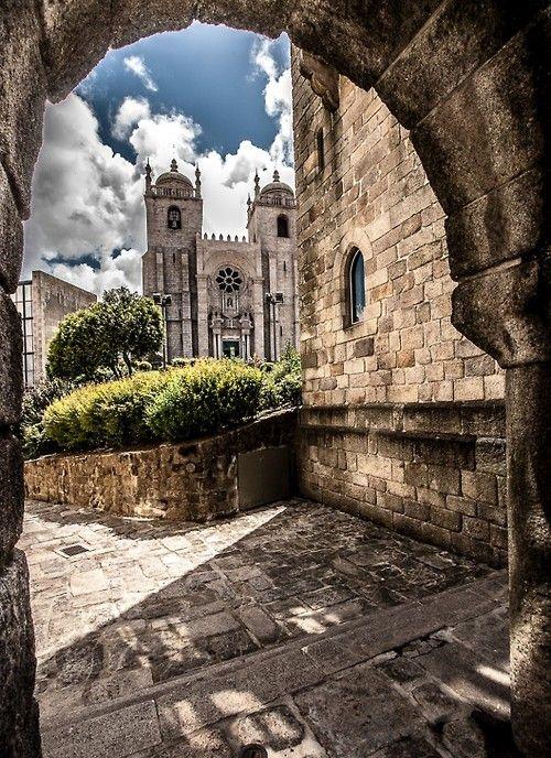 Sé do Porto www.webook.pt #webookporto #porto #igreja
