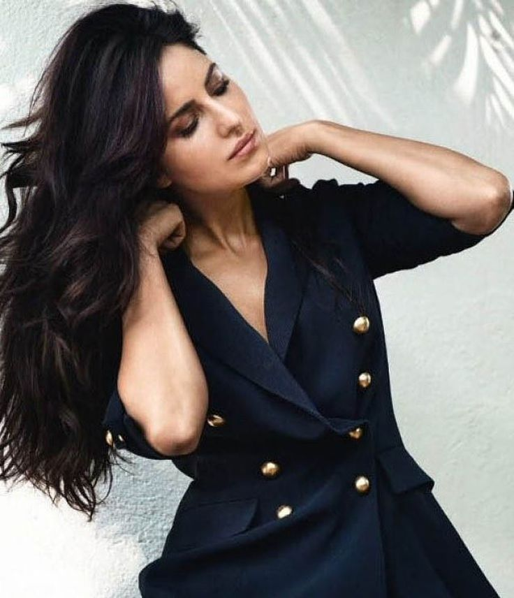 "191 Beğenme, 2 Yorum - Instagram'da Katrina Kaif Canadian FC (@katrinakaif.canada): ""I loved her photoshoot for GQ so imma be posting a lot of pics of it • • • @katrinakaif  • • • •…"""