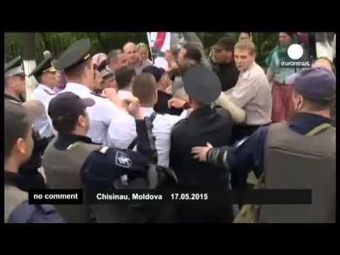 #Молдавия: верующие пытались сорвать гей-парад