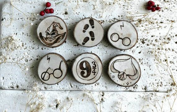 Always Harry Potter, Hogwarts, set of 6 + 1 FREE decorations, pyrography wood slice, handmade, wood gift idea, recycled wood - Free shipping