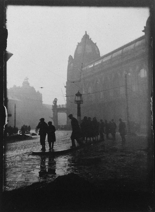 Prague 1919  Photo: Josef Sudek