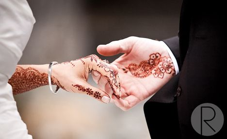 nice wedding henna shot from Vancouver...why is it vendors are rarely linked to such articles?
