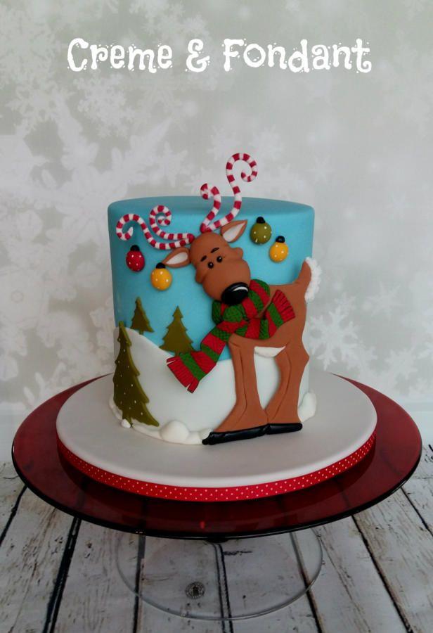 Reindeer Christmas Cake by Creme & Fondant