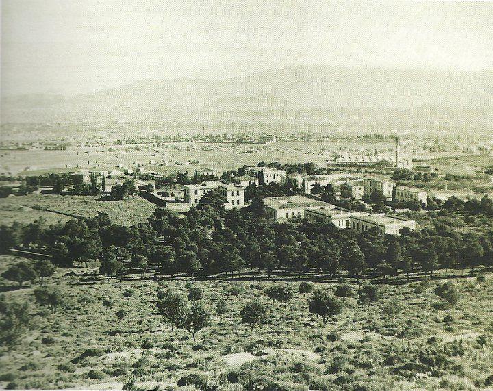 """1950. Θέαση της Αθήνας από την Αγ. Βαρβάρα (Αιγάλεω). Προστέθηκε από τον/την Marios Mamaneas στην ομάδα """"Παλιες φωτογραφιες της Αθηνας, Αττικη - Old photos from Athens, Attiki"""""""