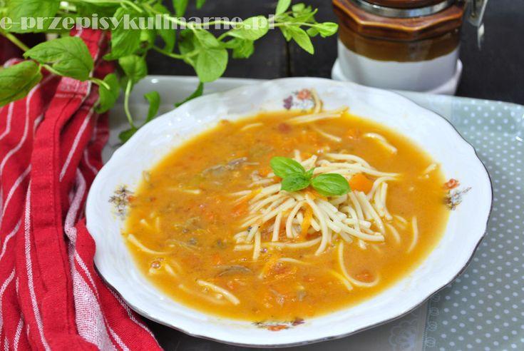 Pyszna zupa pomidorowa z makaronem | Przepisy Kulinarne