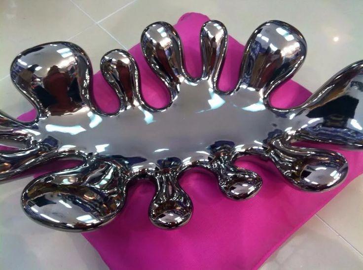 Centros de mesa en color plata. Más en www.virginia-esber.es
