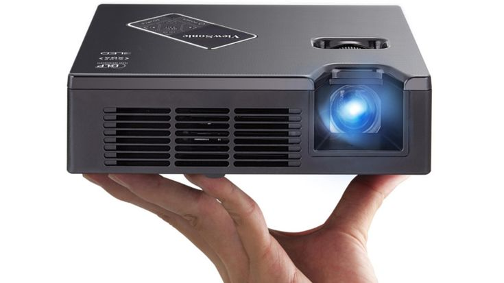 ViewSonic PLED-W800 review | Highly portable and bright enough in boardrooms, this media-friendly DLP LED projector is primed for presentations. Reviews | TechRadar