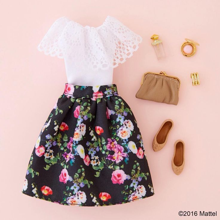 """Styling frills with florals for a day out with friends.  #barbie #barbiestyle"""