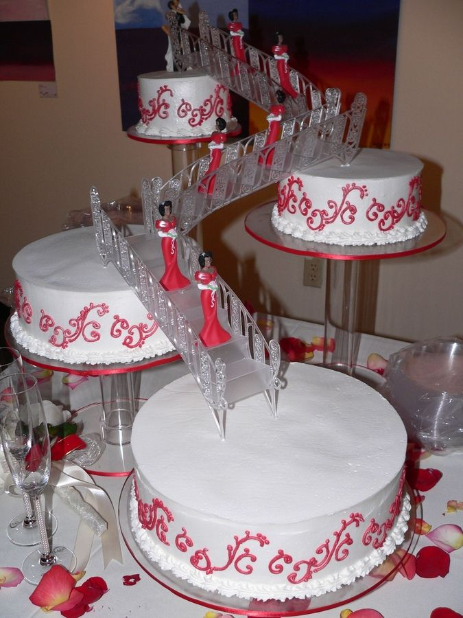 Alarming Attractive Wedding Cake In Stairs Design