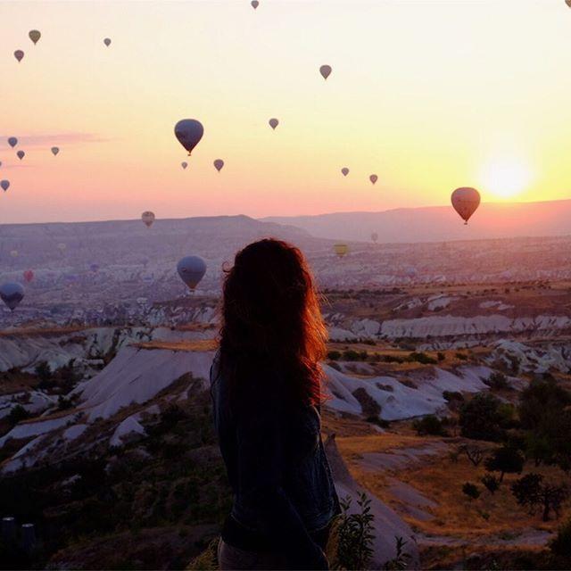 Ozge Hiz / Cappadocia, Turkey, hot air balloons, sunrise view, balloons
