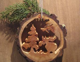 Basteln mit Baumscheiben | Elchlein im Wald - aus einer kleinen Baumscheibe...