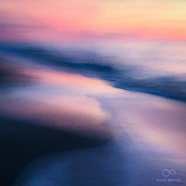 FOUND BEAUTY... in a colourful eventide. A bit of intentional camera movement and a hint of an impressionist filter adds a bit of extra dreaminess. #foundbeautytoday #florida #beach #ICM #motionblur #nature #sunset #impressionism