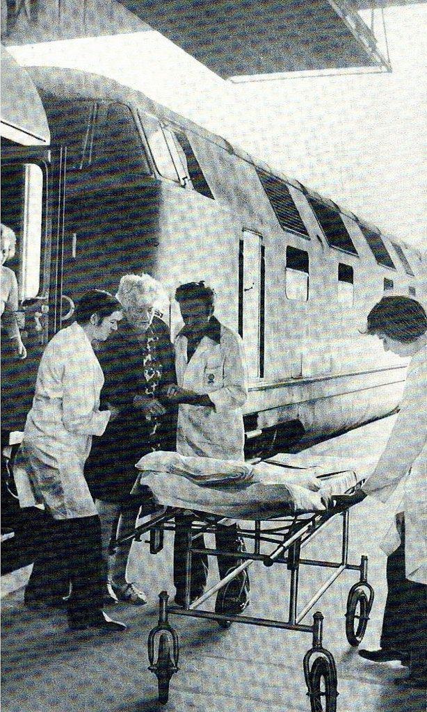 https://flic.kr/p/Htc6Bk | Deutsches Rotes Kreutz der DDR bei der DR | DRK Sanitäter der DDR im Einsatz