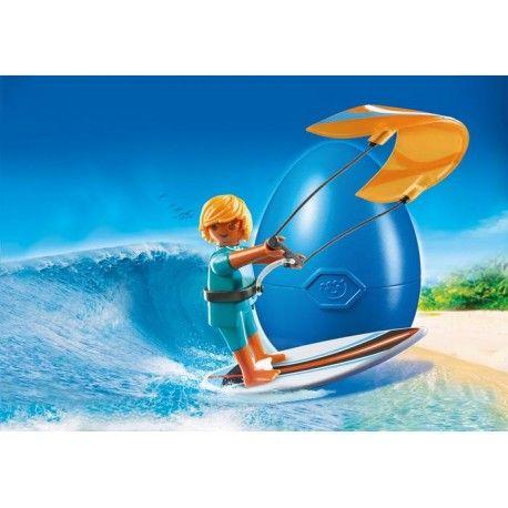 Piątek, Piąteczek ... Kochamy:)    Będzie słońce:) jutro 12 stopni, za tydzień więcej:)    Na plaży pojawią się kitesurferzy! Za pomocą latawca i deski surfować będą po morskich falach wykonując przy tym niesamowite ewolucje.    Zostań jednym z kiteserferów z Playmobil 6838!    Miłego Weekendu:)    http://www.niczchin.pl/playmobil-summer-fun/3595-playmobil-6838-kitesurfer.html    #playmobil #summerfun #kitesurfer #weekend #zabawki #niczchin #kraków