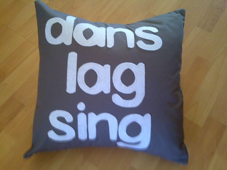 Cushion with afrikaans words (dans, lag sing), ideal for indoors or in the garden!