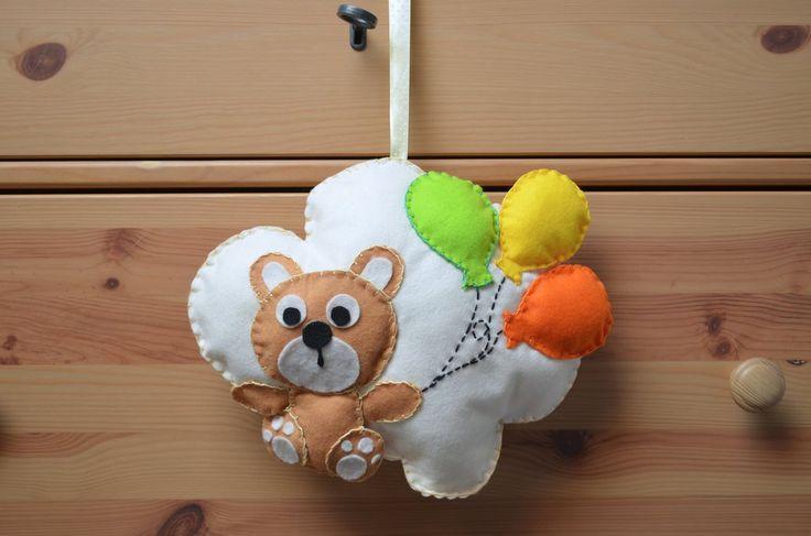 Fiocco nascita a forma di nuvola con orsetto e palloncini, by Mywonderland, 20,00 € su misshobby.com