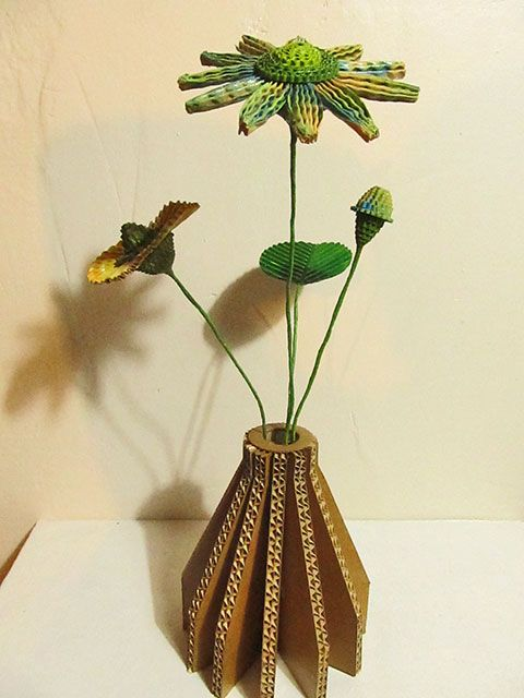 fleurs et vase en carton sarreve©2014