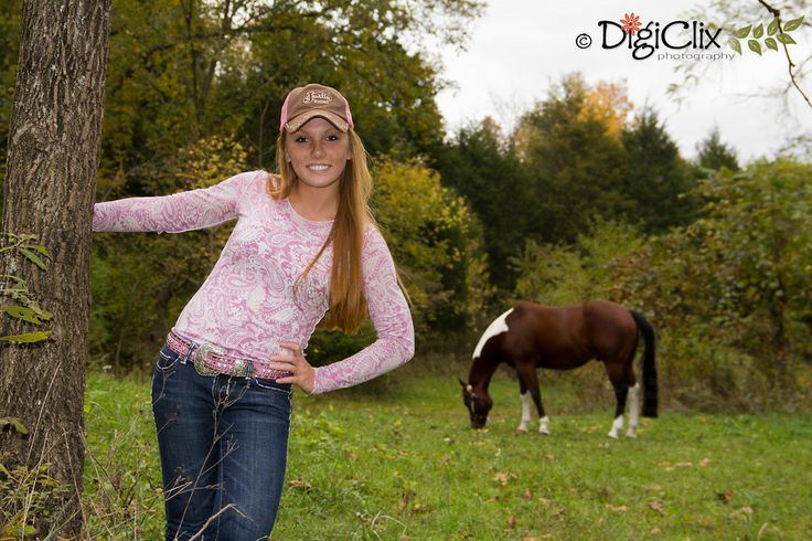 Senior photography, country girl, equestrian, senior portraits, photos, female poses, girl poses, farm girl, photography poses, equine photography, DigiClix Photography