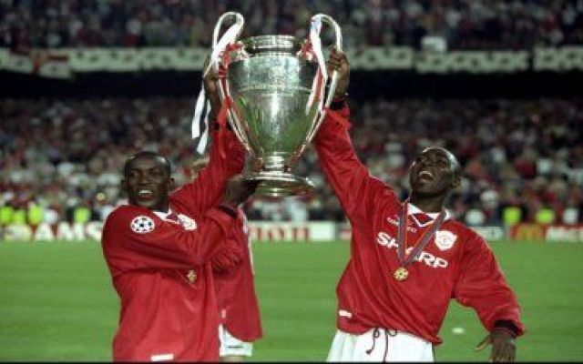 "Andy Cole e Dwight York, in arte i ""Calypso Boys"" Per la rubrica Romanzo Calcistico parliamo di Andy Cole e Dwight York, in arte i ""Calypso Boys"" ""Quando iniziammo a giocare insieme fu come incontrare una donna speciale e innamorarsi. Tutto era al  #calcio #manchesterunited #inghilterra"