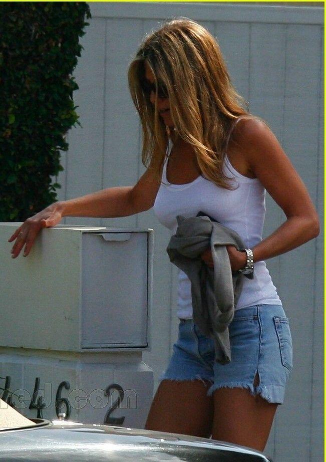 Jennifer Aniston, I want her spray tan.