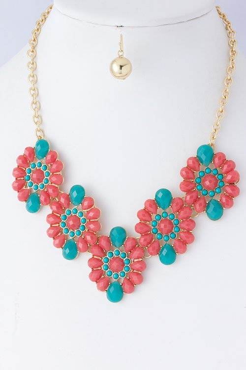 Coral & Turquoise Floral Necklace $32.50: Colors Combos, Coral Floral, Jewels Burst, Accessories Trays, Link Necklaces, Natalia Coral, Turquois Jewels, Floral Necklaces, Burst Link