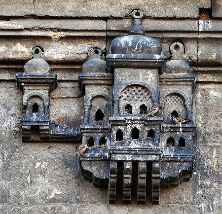 Türk mimarisinin zarif bir detayı Osmanlı kuş evleri, bir başka deyişle kuş sarayları hakkında bilgi veren bir liste hazırladık sizlere. Geçmişe gidiyoruz.