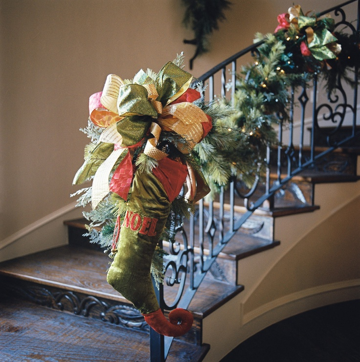 1893 Best Christmas On The Stairs Images On Pinterest: 17 Best Images About Staircase Decorations On Pinterest