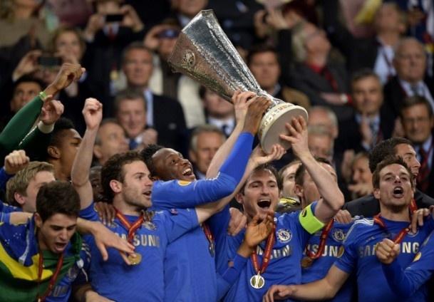 UEFA kupası Chelsea'nin  UEFA Avrupa Ligi final maçında Portekiz'in Benfica takımı ile İngiltere'nin Chelsea ekipleri karşı karşıya geldi. Amsterdam Arena'da oynanan maçı Chelsea 2-1 kazandı ve şampiyon oldu. #chelsea #benfica #uefa