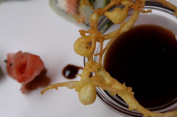 Josué Steele Knowles nos pidió por Facebook: Haria una fusion de mango con anguila y una salsa dulce con miel.